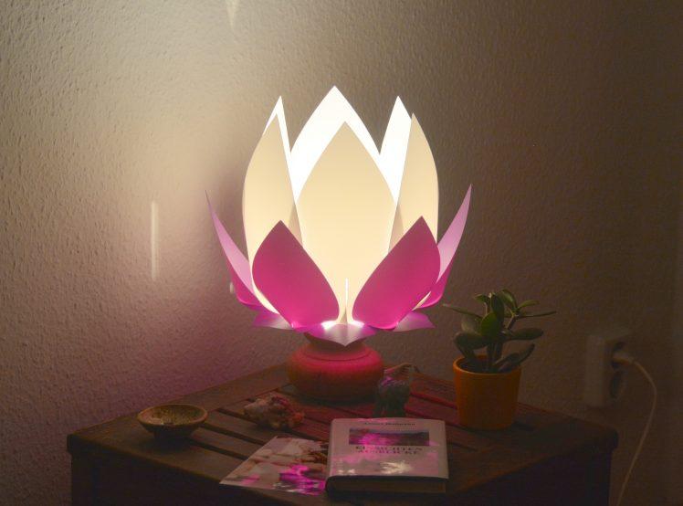 Lotus lampshade - White-Lila